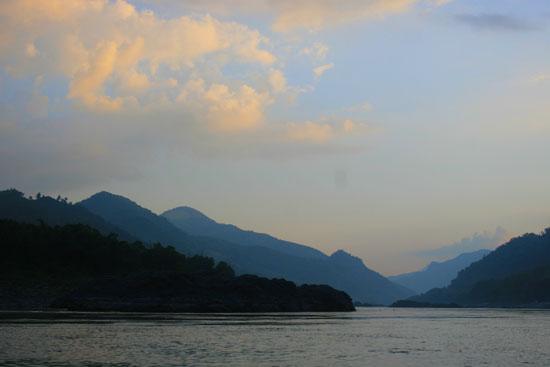 Sông Mê Kông chảy qua tỉnh Xayaburi của Lào. Ảnh: PanNature.