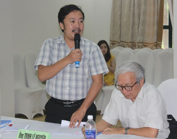 Ông Trịnh Lê Nguyên trình bày tại Tọa đàm