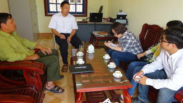Nhóm cán bộ PanNature trao đổi về mục đích cũng như kế hoạch phối hợp thực hiện Dự án  với lãnh đạo xã Chiềng Xuân