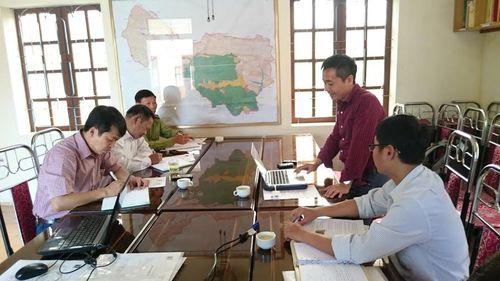 Ông Hoàng Xuân Thủy – Phó Giám đốc Trung tâm Con người và Thiên nhiên trình bày các nội dung hợp tác. (Ảnh: PanNature)