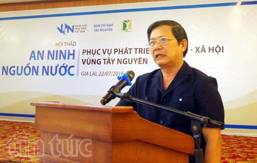 Thiếu tướng Trần Đình Thu, Ủy viên Chuyên trách, Ban Chỉ đạo Tây Nguyên phát biểu tại Hội thảo.